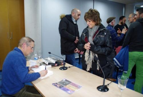 Tras el acto, una concurrida firma de ejemplares